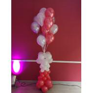 Ballonsäule mit Heliumballons